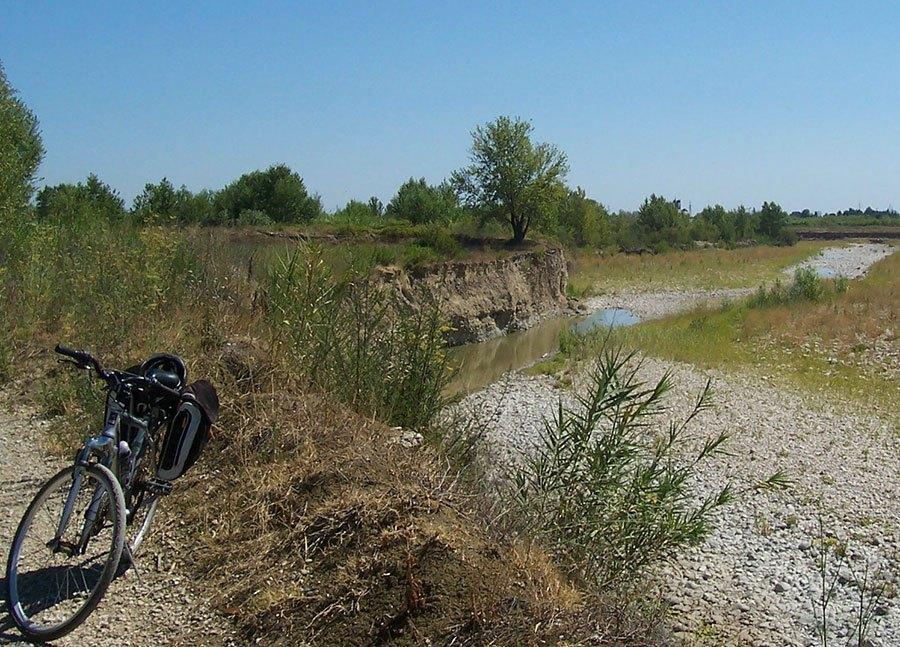 Romagna, tour dello sport - pista ciclabile sul Marecchia