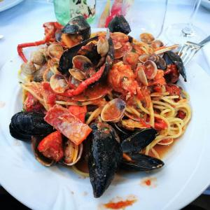 spagheti alle cozze nel ristorante Gallo Cedrone di Milano Marittima