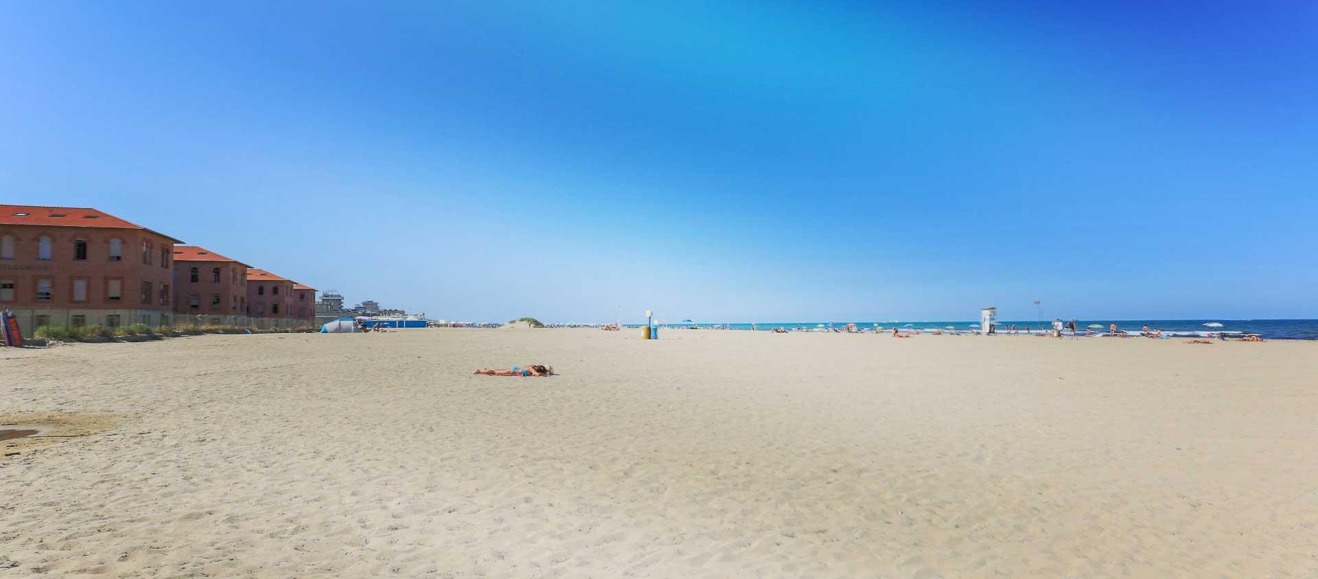 spiaggia-libera-rimini-colonie